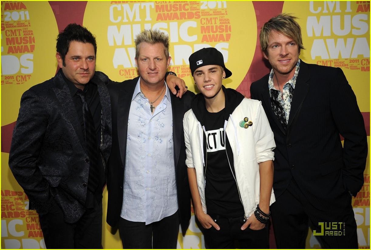 justin bieber cmt music awards 03