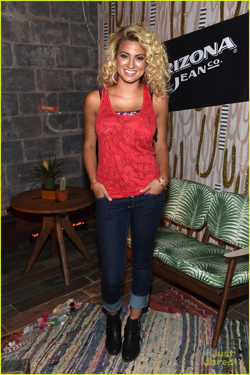 Tori Kelly Jeans