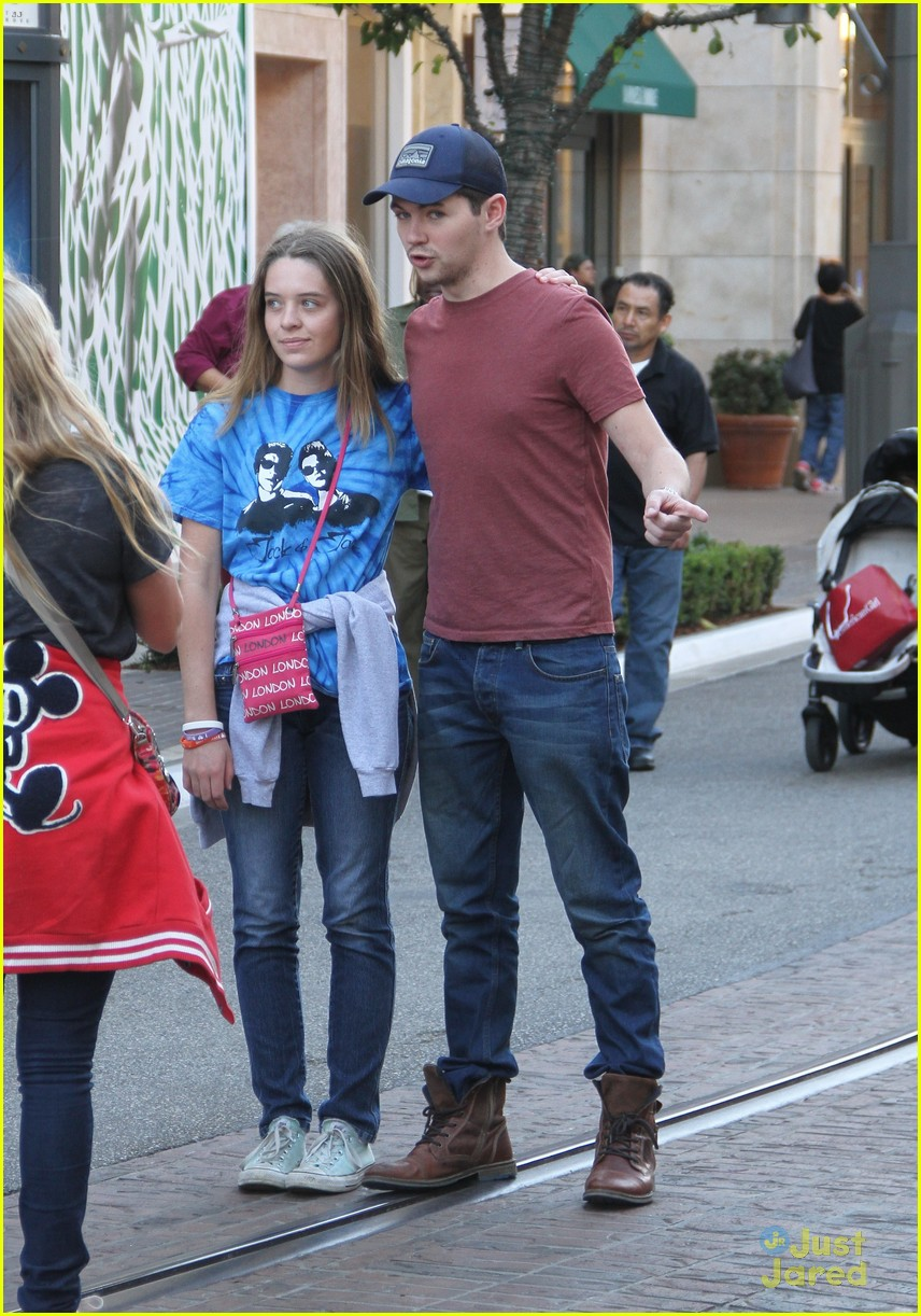 damian mcginty glee fans the grove 10
