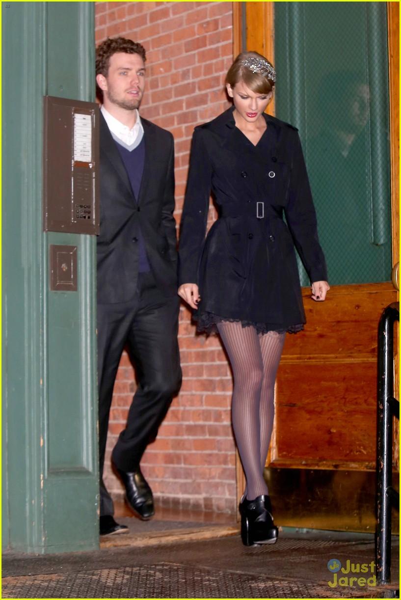 taylor swift austin dressed for formal dinner 12