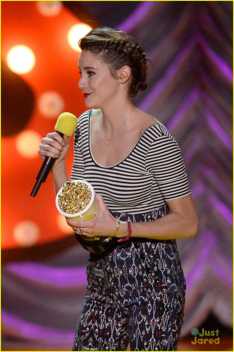 ansel elgort mtv movie awards 2015 10