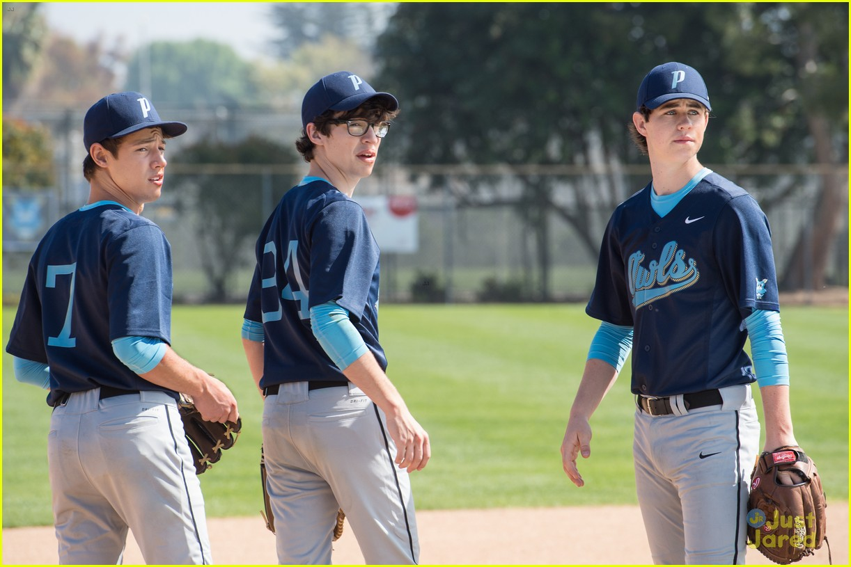 the outfield movie exclusive clip 01