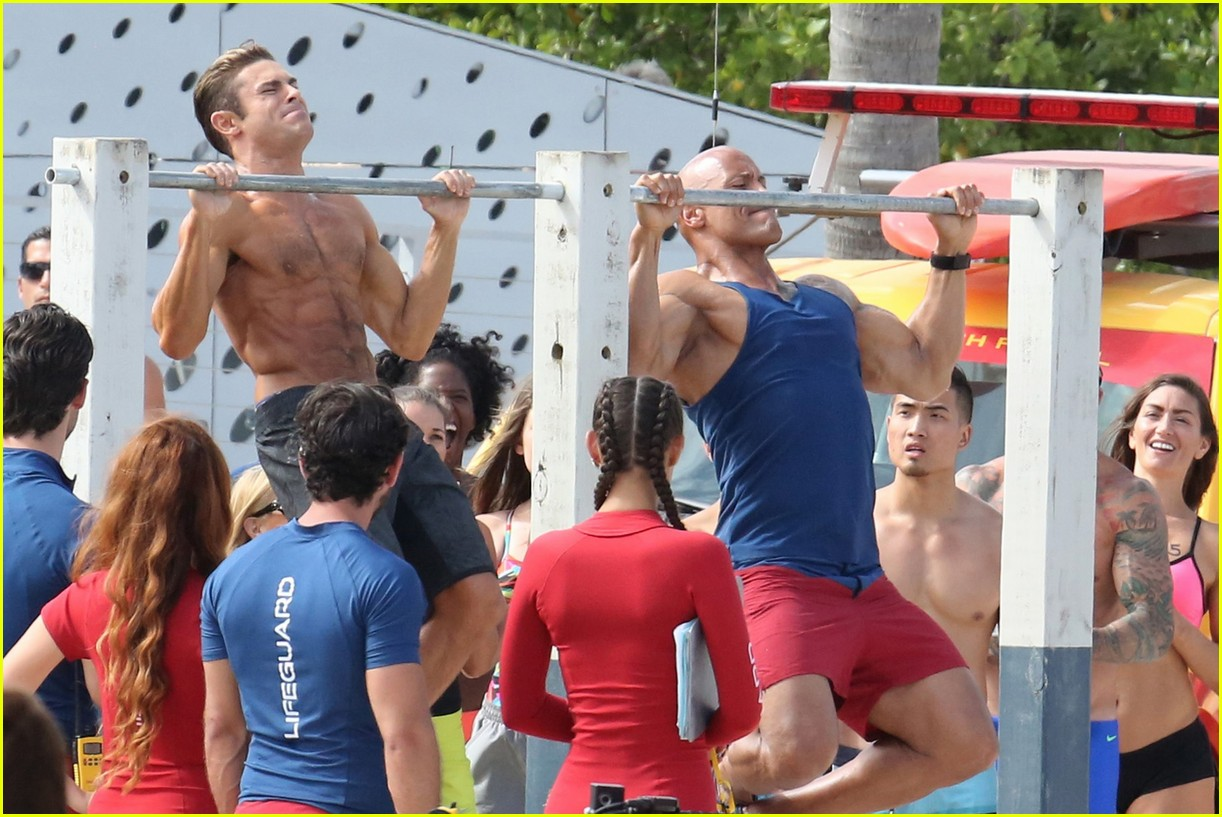 zac efron pull up contest baywatch 18
