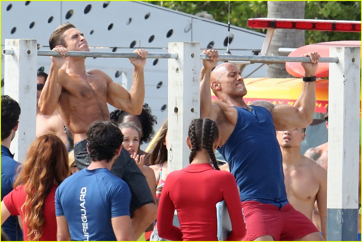 zac efron pull up contest baywatch 21