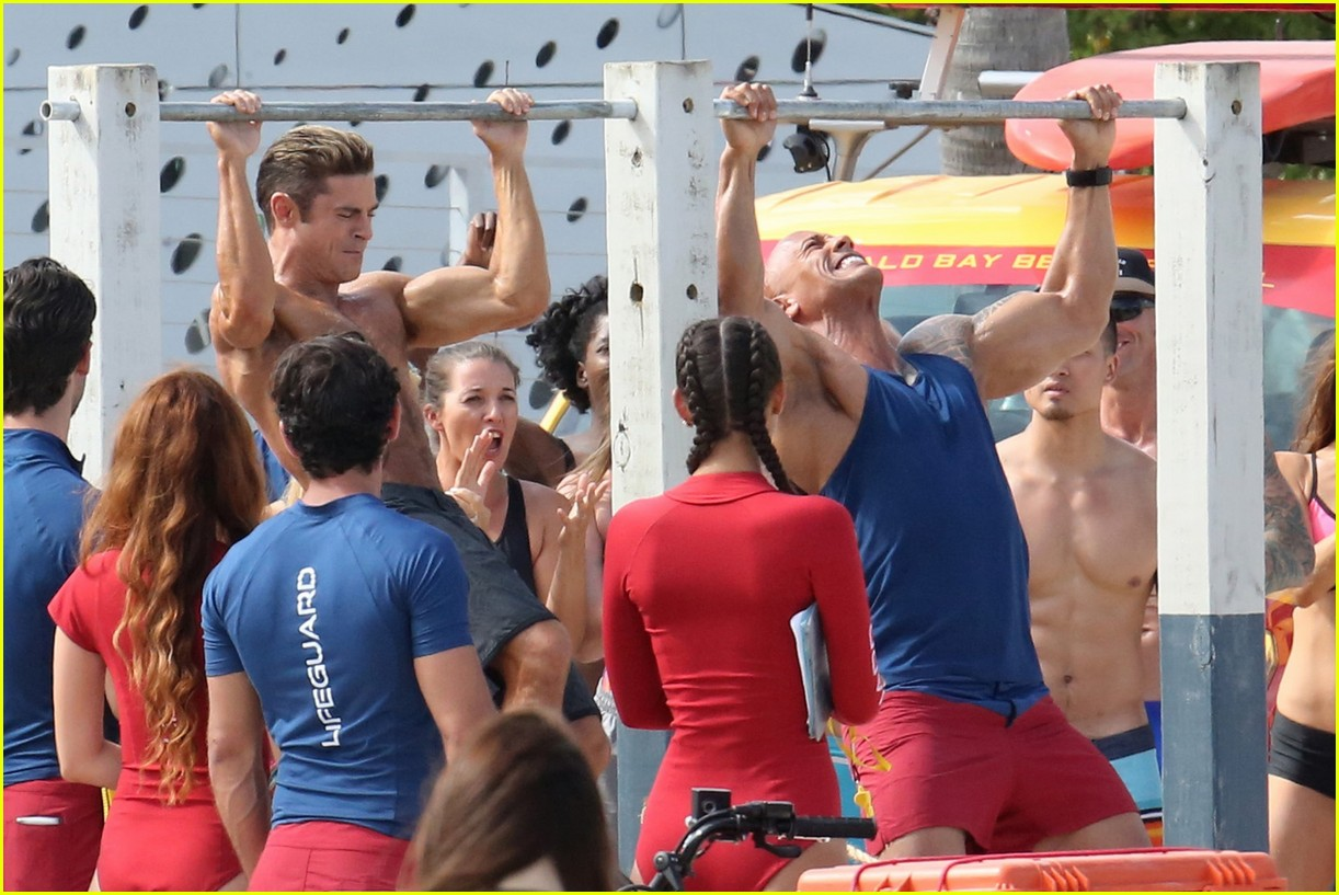 zac efron pull up contest baywatch 22