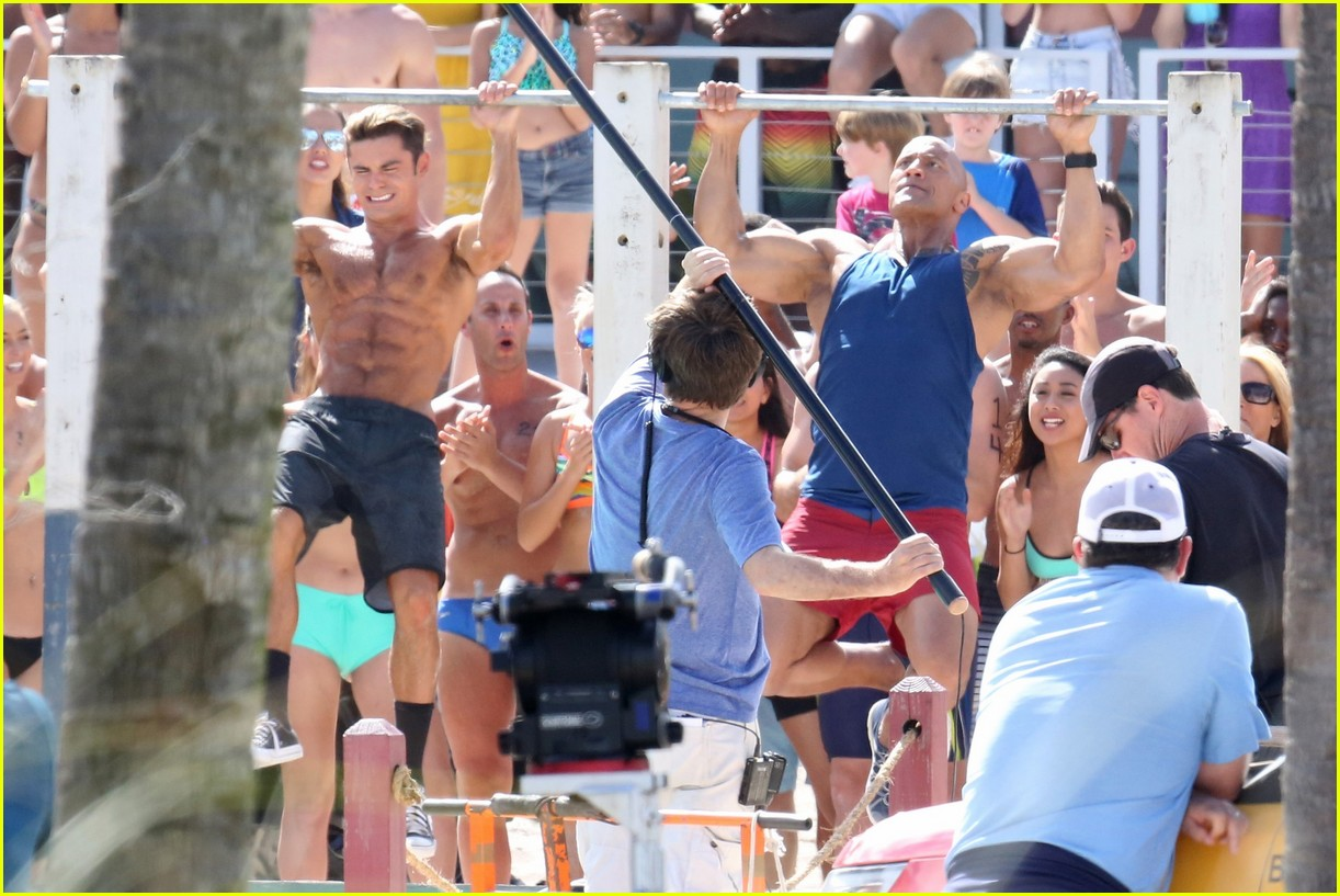 zac efron pull up contest baywatch 26