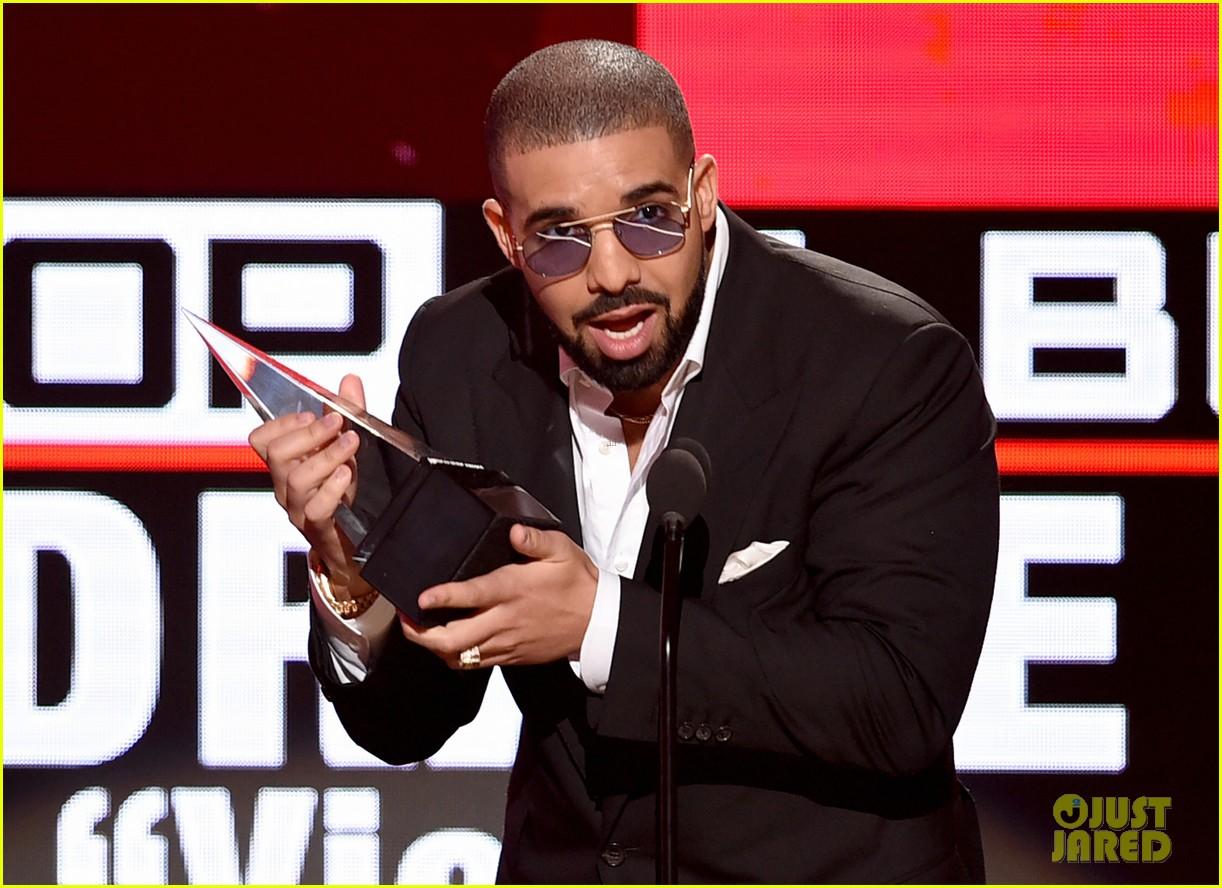 nina dobrev drake reunion american music awards 2016 16