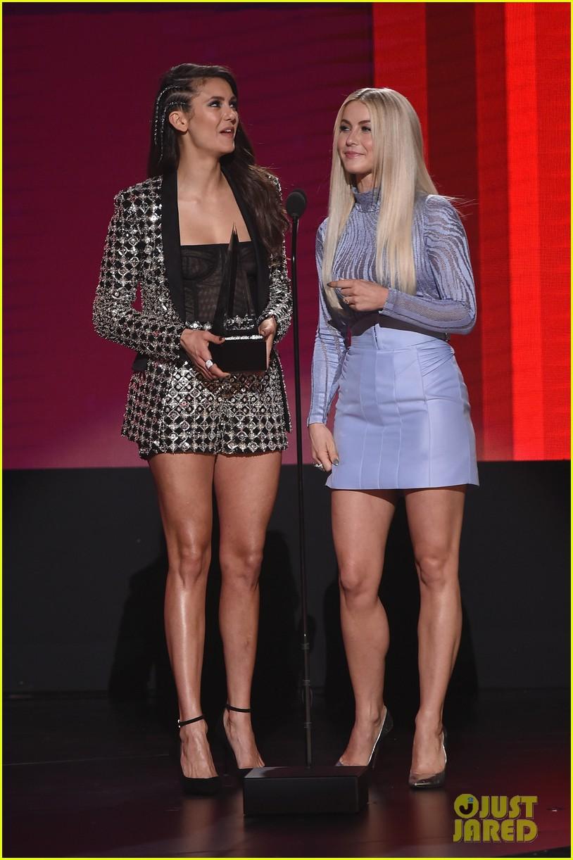 nina dobrev drake reunion american music awards 2016 20