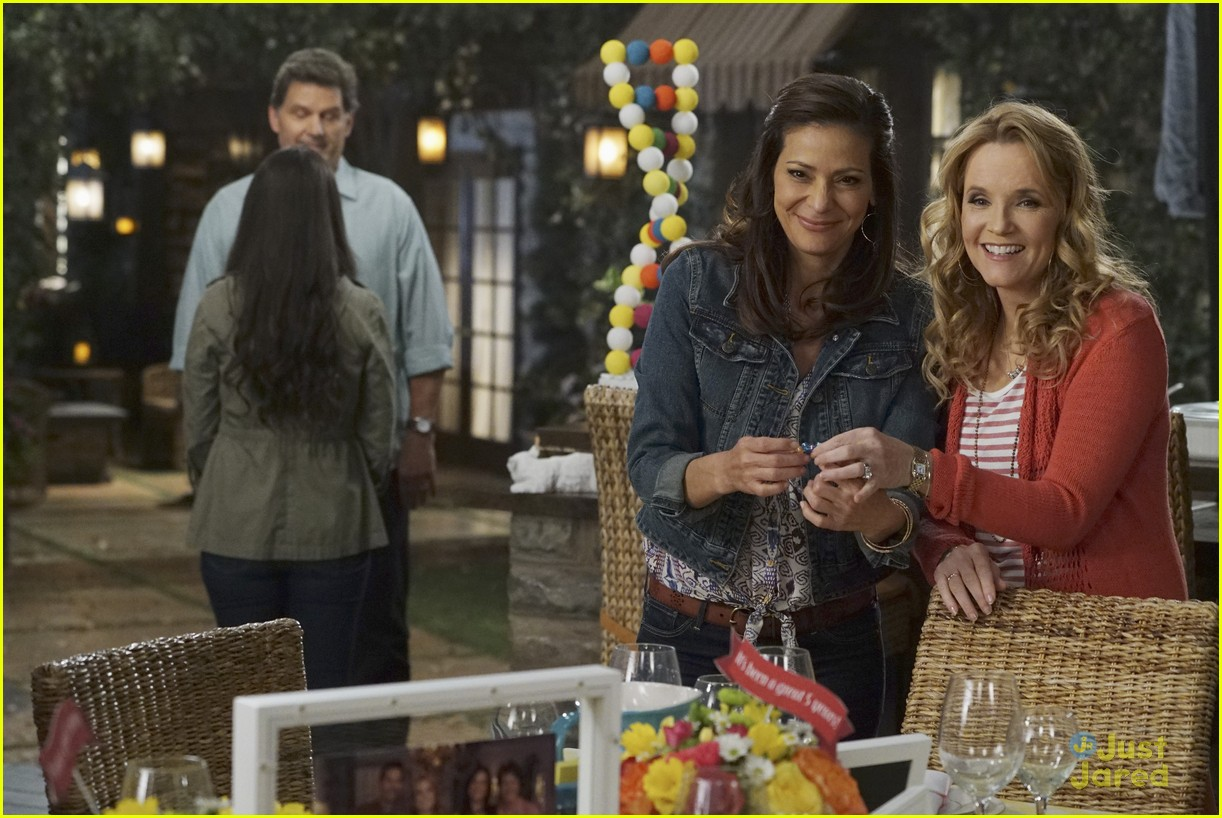 switched series finale pics promos clips 08