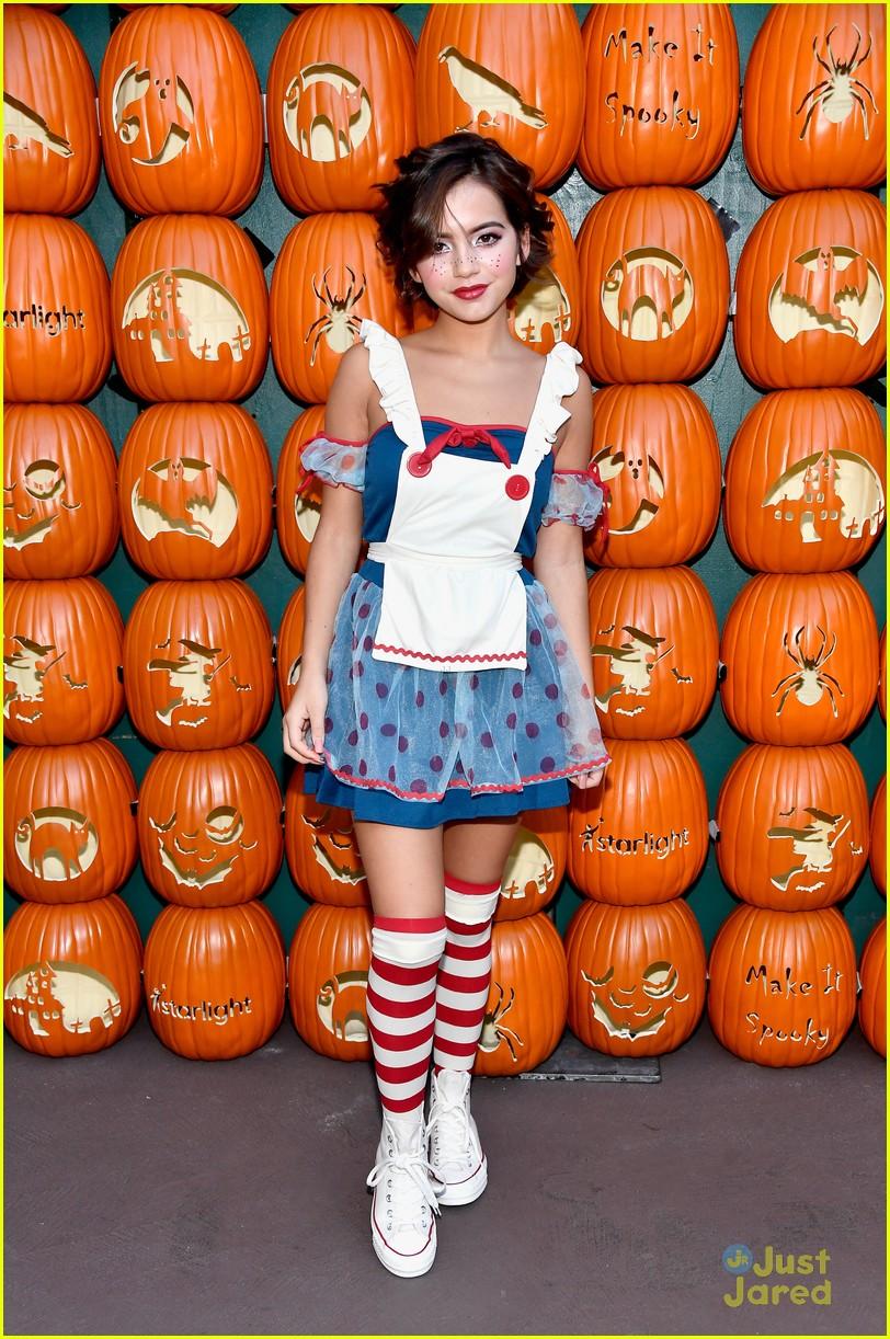 jenna ortega isabela moner more dream halloween event 08