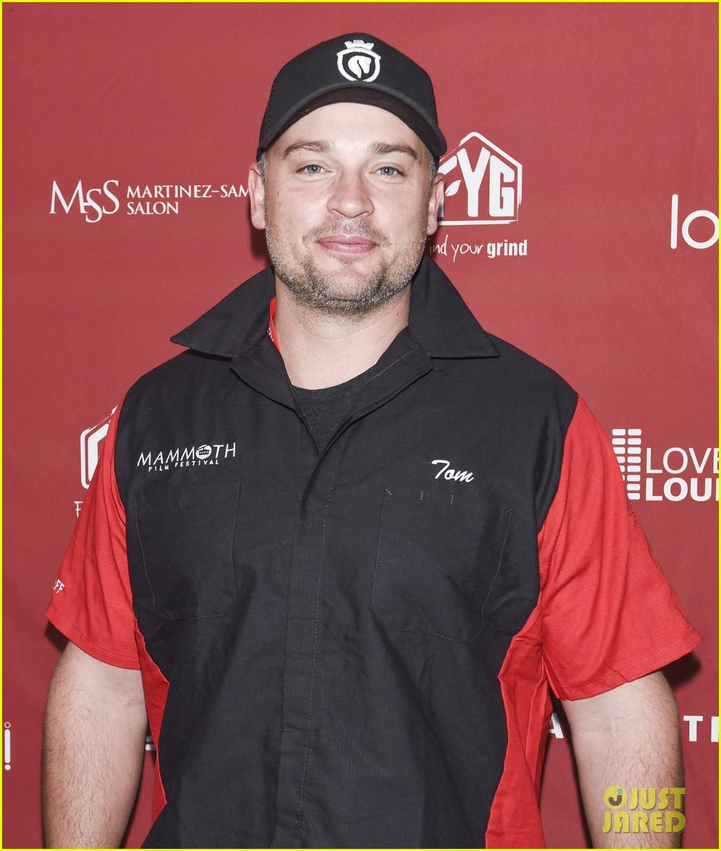 nina dobrev tom welling go celebrity bowling tournament 03
