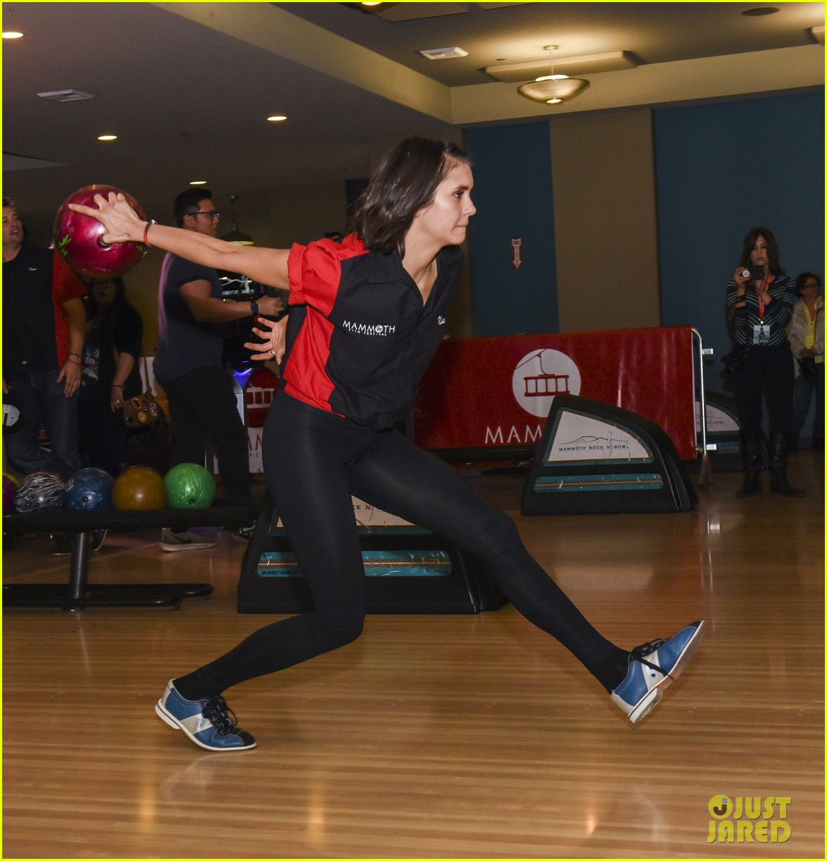 nina dobrev tom welling go celebrity bowling tournament 08
