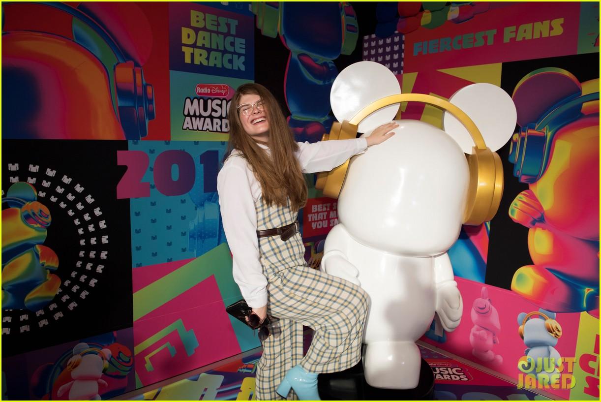 maddie poppe 2018 radio disney music awards 02