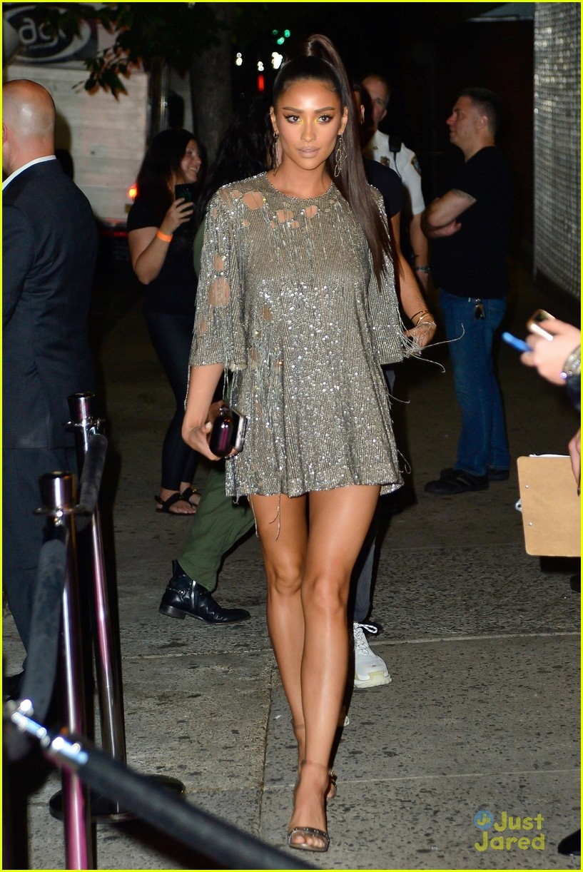 shay mitchell silver dress vmas after party 01