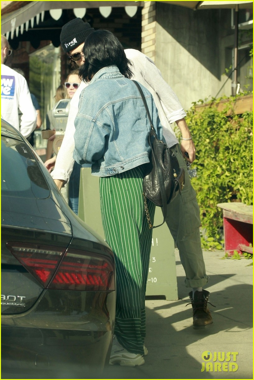 vanessa hudgens austin butler step out for romantic lunch date 08