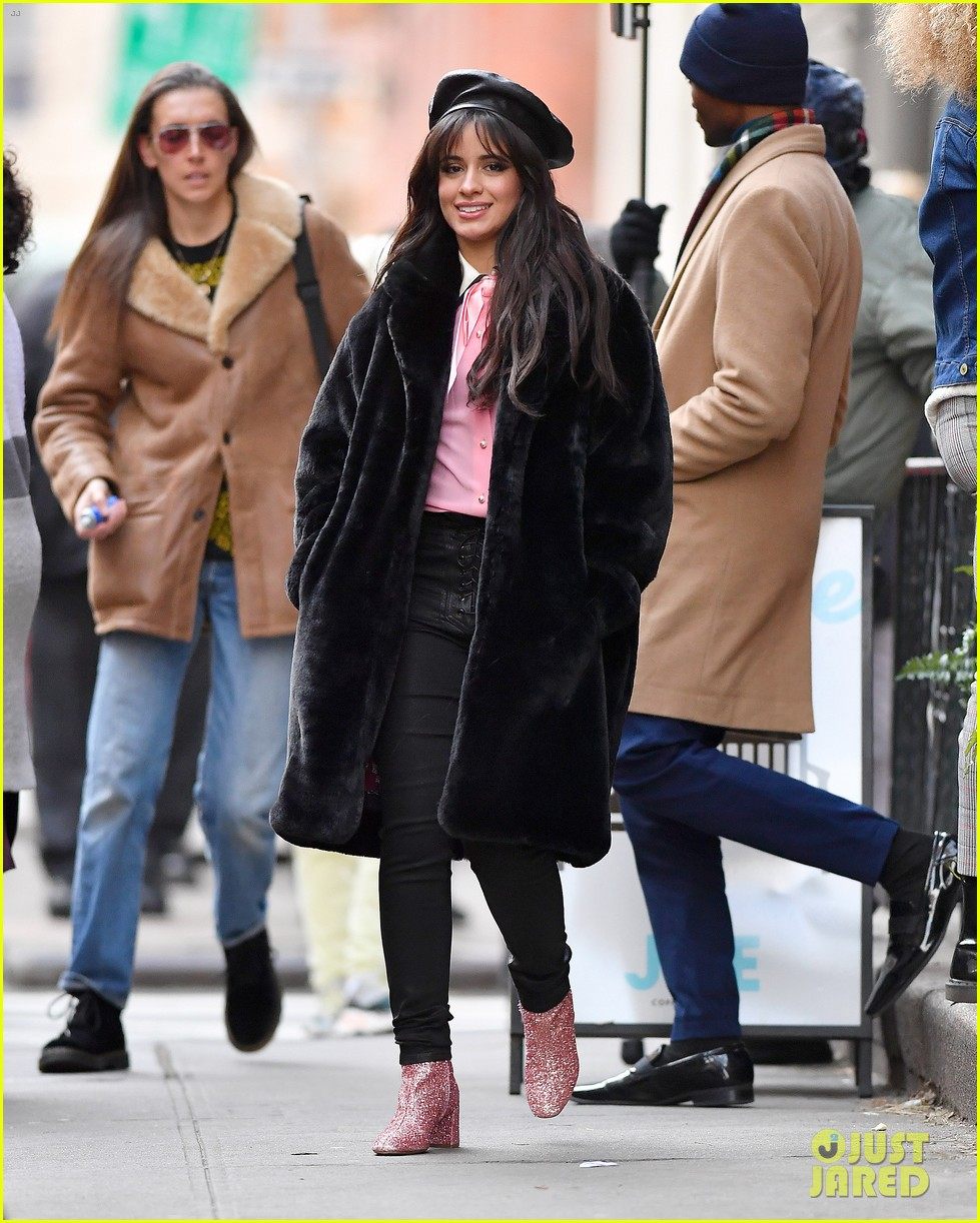 camila cabello eats cupcakes plays with dogs filming new commercial 05