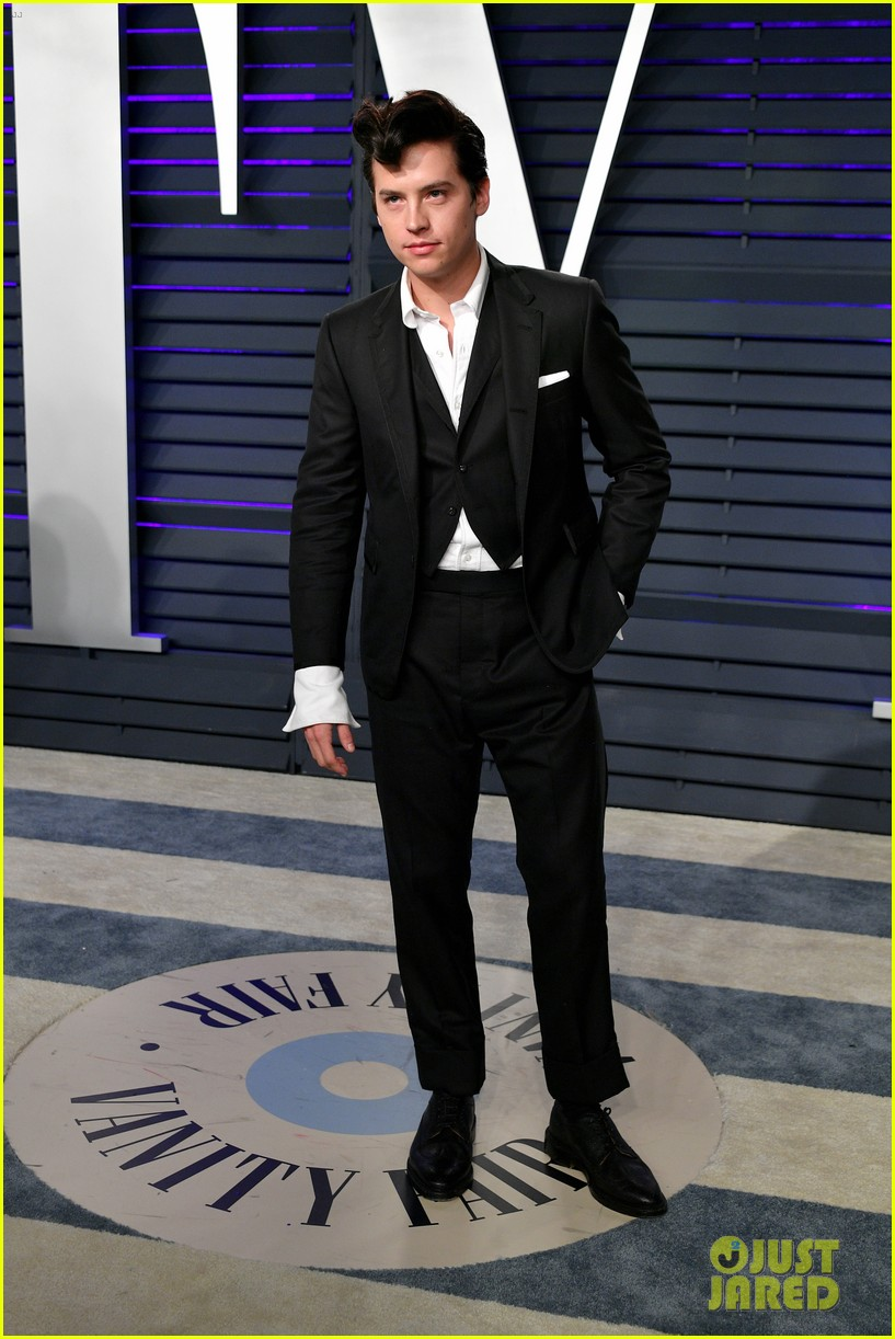 cole sprouse dylan sprouse vanity fair oscar party 13