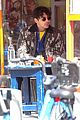joe jonas dons printed jacket for solo lunch outing 04
