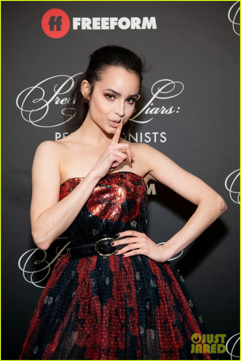 cast of pll the perfectionists stun at los angeles premiere 26