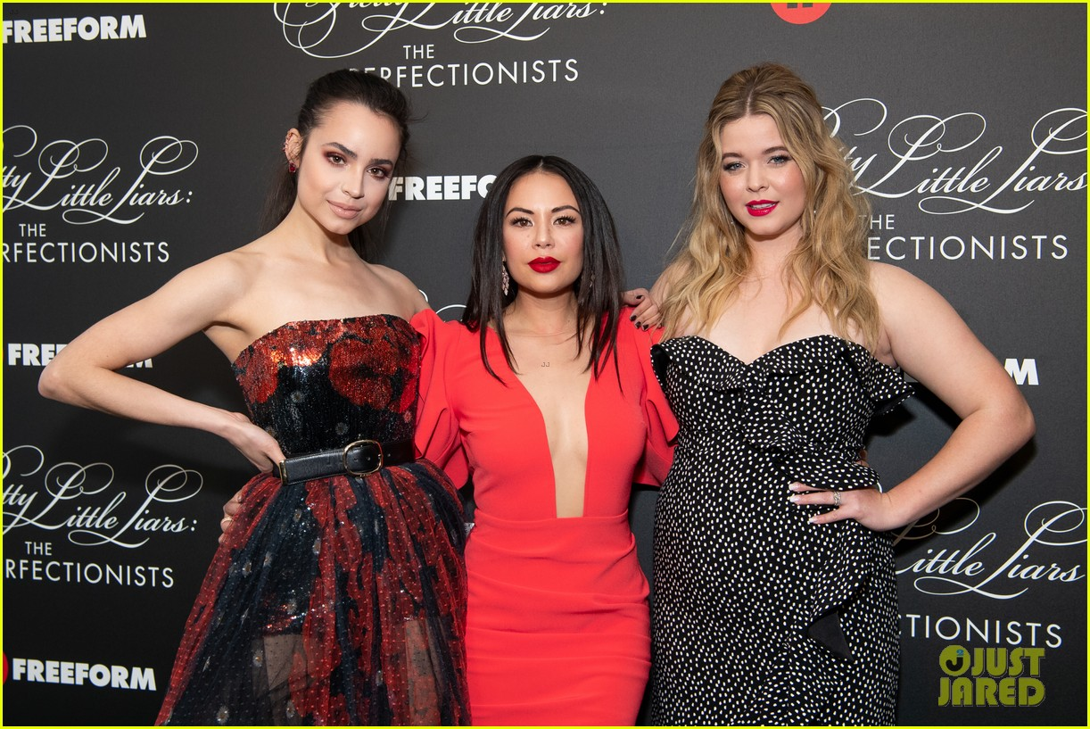 cast of pll the perfectionists stun at los angeles premiere 34