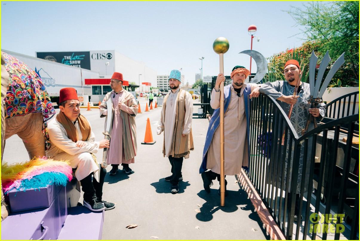 aladdin cast crosswalk musical video 26