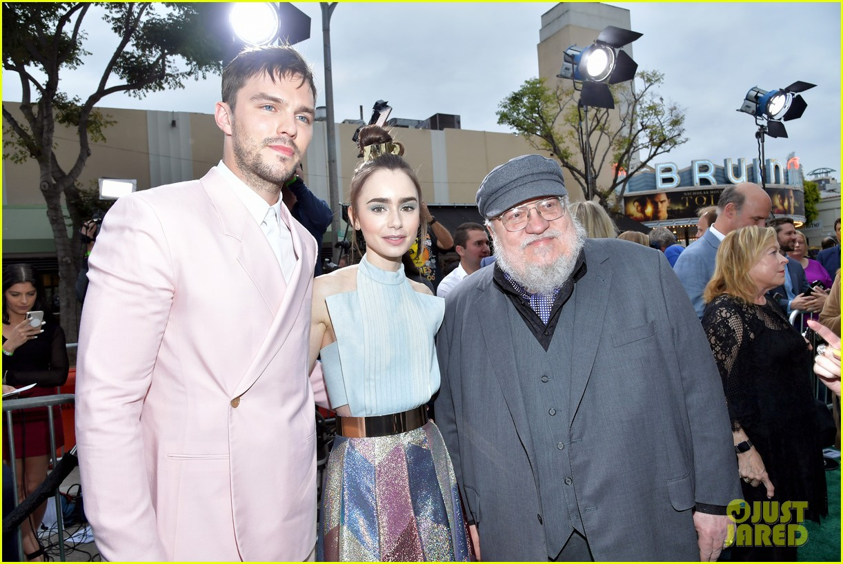 lily collins nicholas hoult look so stylish tolkien premiere 05