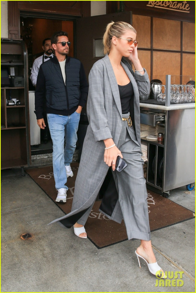scott disick and sofia richie couple up for beverly hills lunch date 01