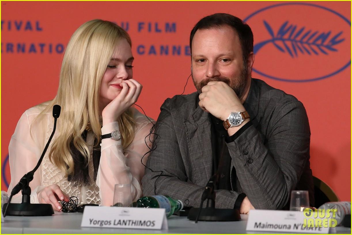 elle fanning cannes film fest jury photocall  31