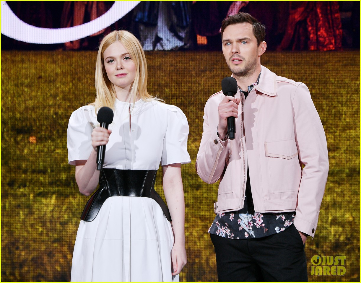 elle fanning nicholas hoult bring the great to hulu upfronts 02