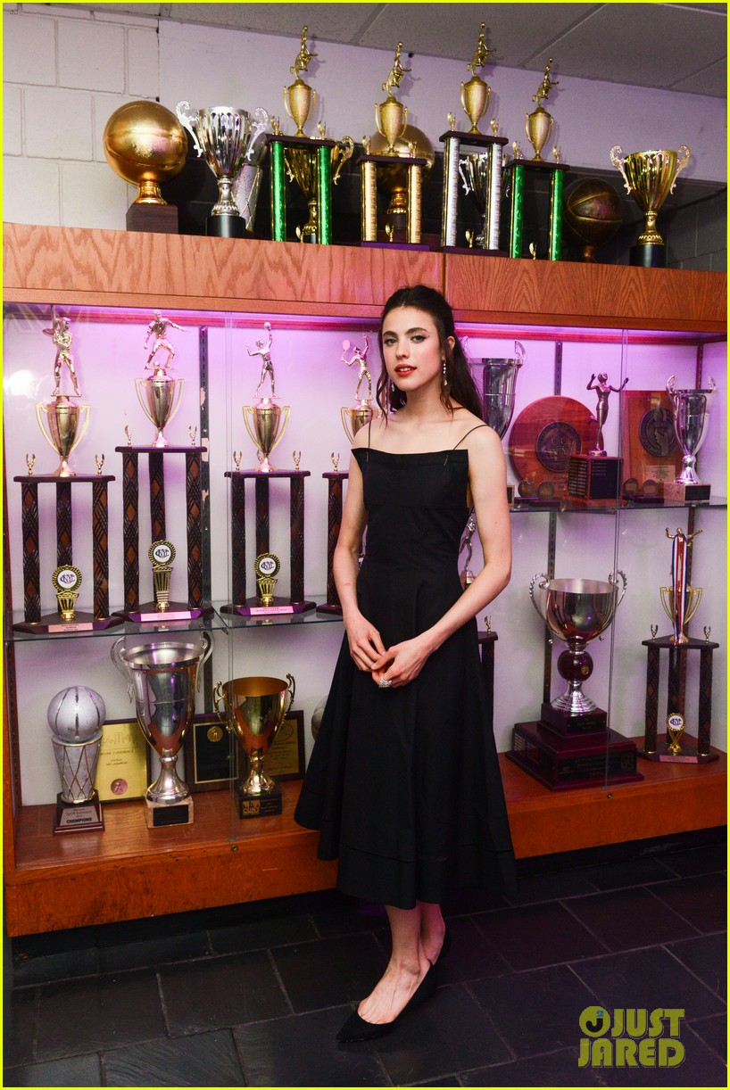 elle fanning yara shahidi julia garner step out for guccis met gala 2019 after 08