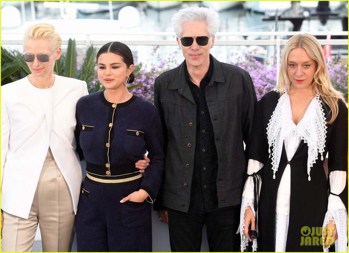 selena gomez joins the dead dont die cast at cannes photo call 02