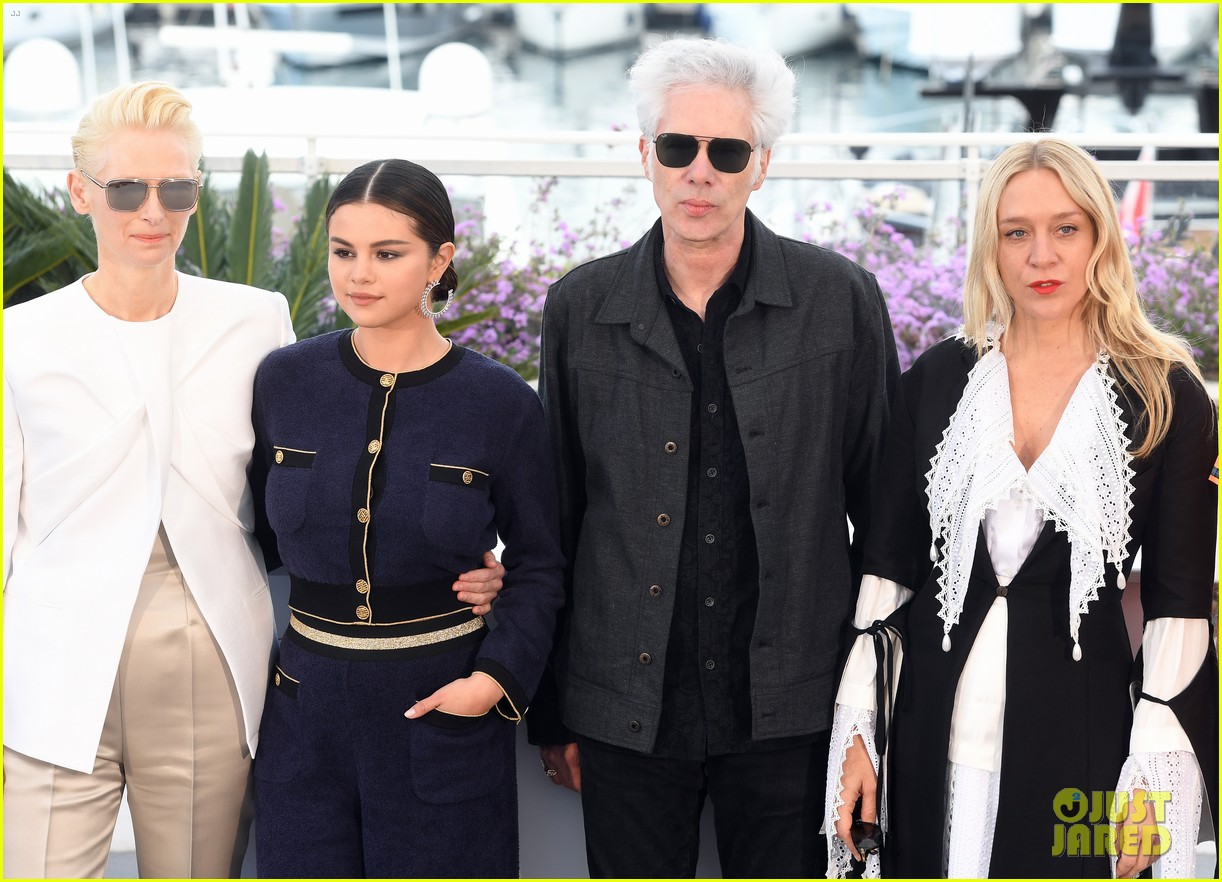 selena gomez joins the dead dont die cast at cannes photo call 07