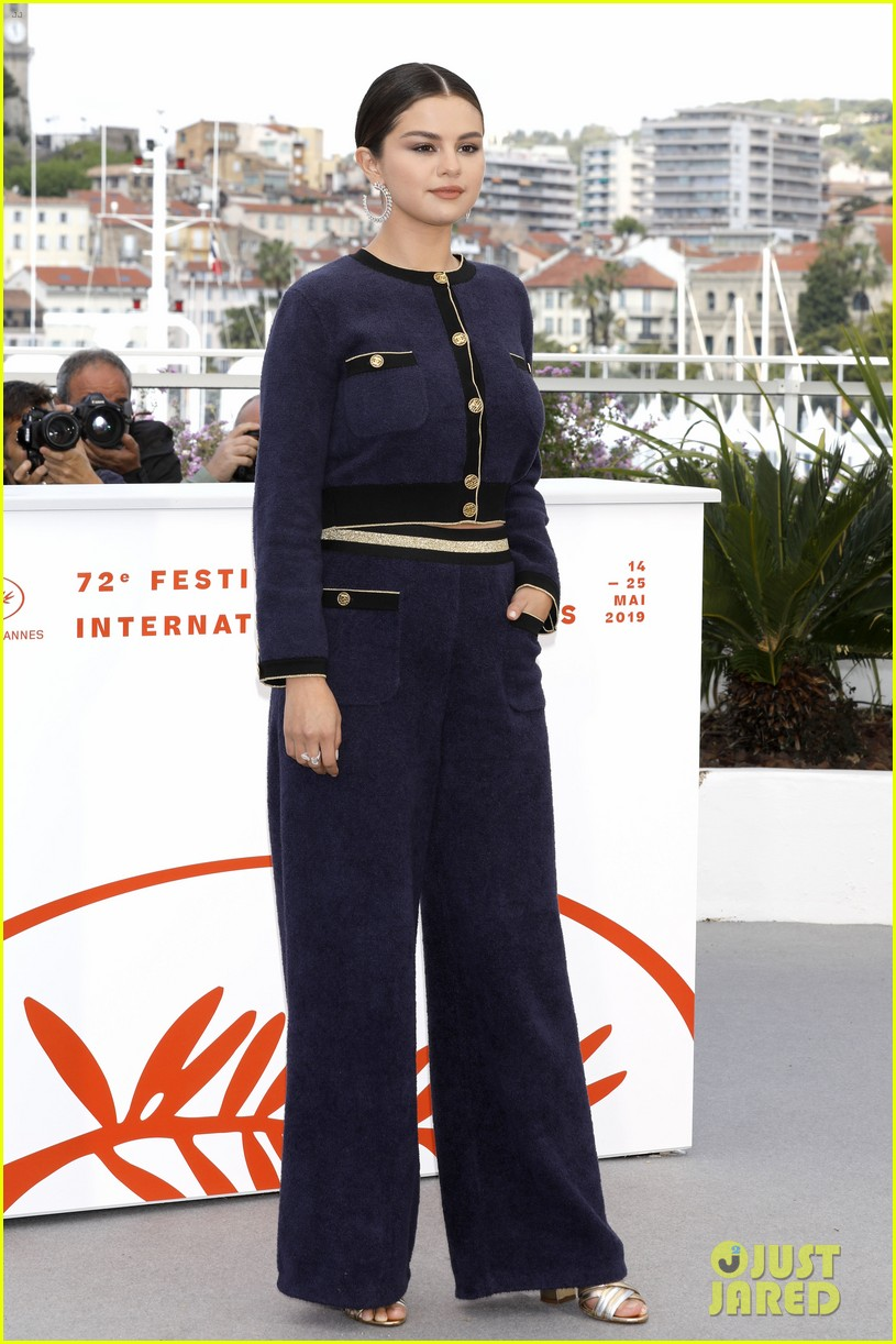 selena gomez joins the dead dont die cast at cannes photo call 32
