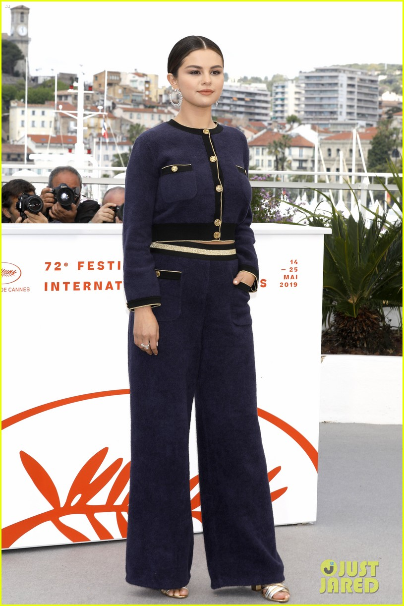 selena gomez joins the dead dont die cast at cannes photo call 33