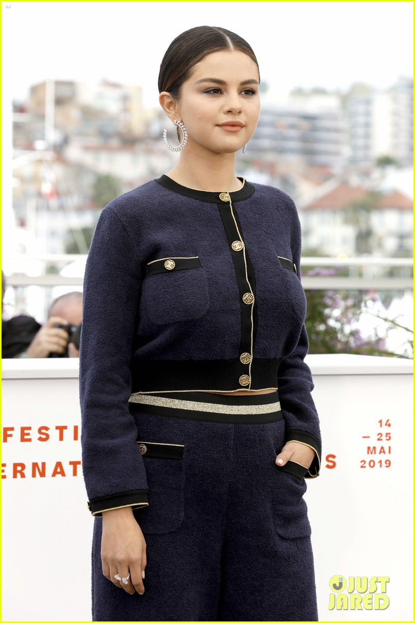 selena gomez joins the dead dont die cast at cannes photo call 36