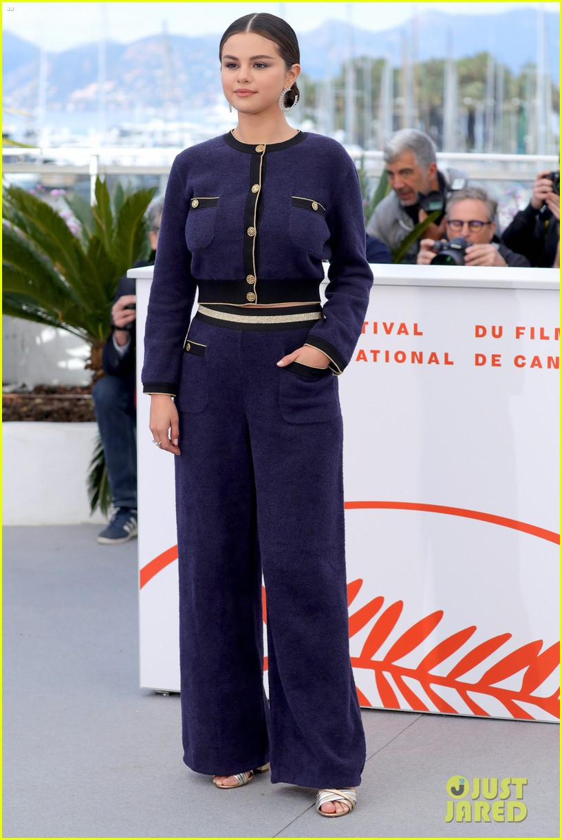selena gomez joins the dead dont die cast at cannes photo call 43