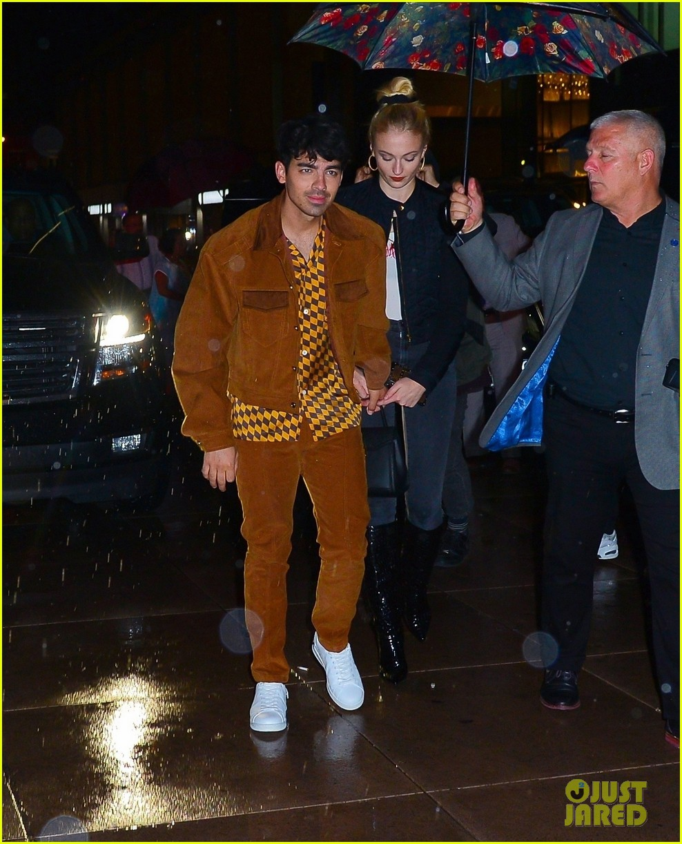 joe nick jonas wear coordinating outfits to snl after party 04