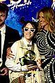julia roberts honors billie eilish at ascap pop music awards 2019 28