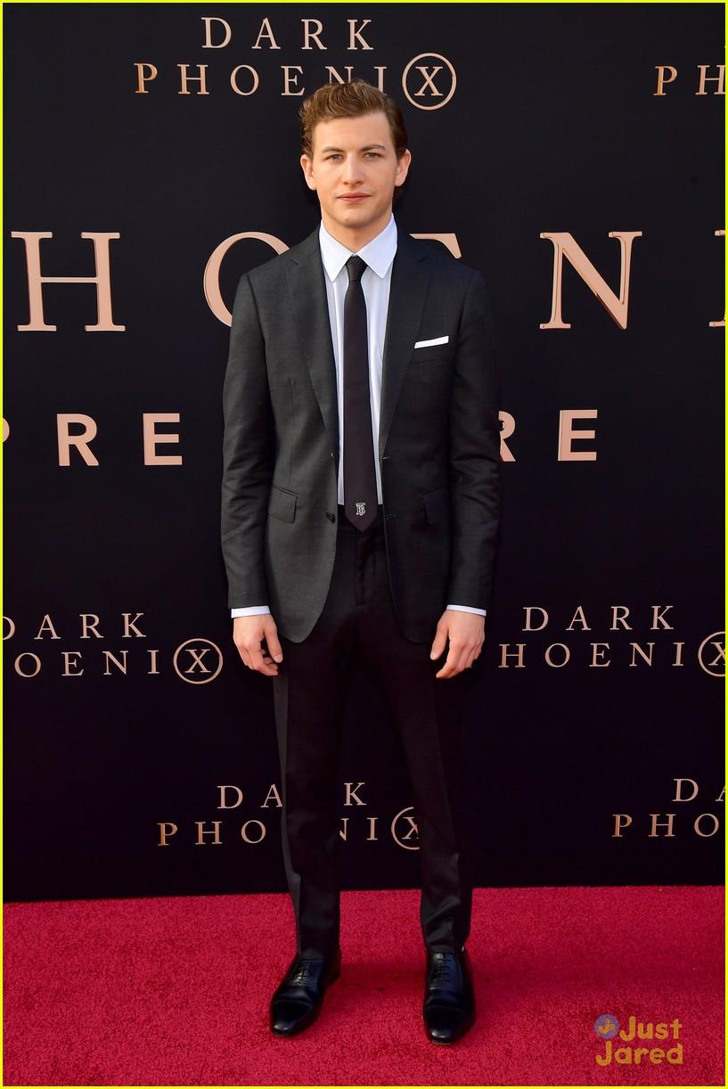 dark phoenix hollywood premiere 25