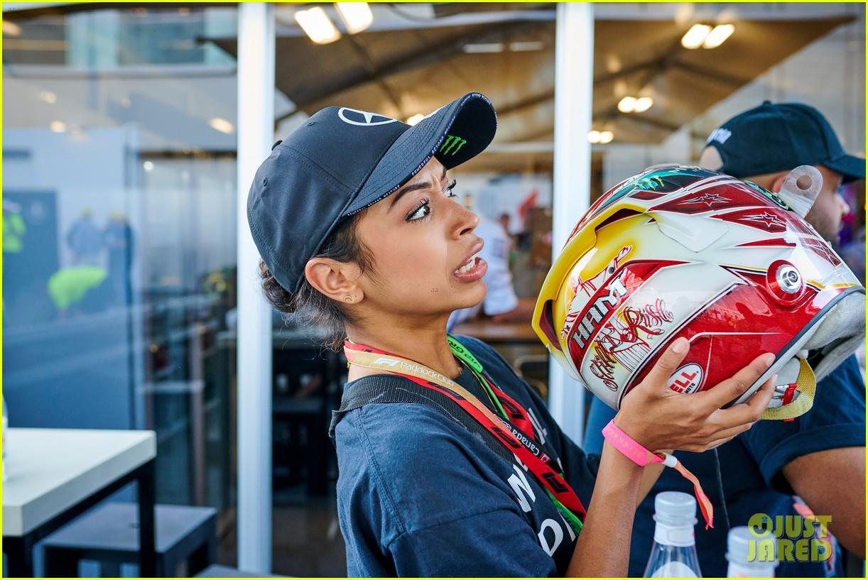 liza koshy becomes first woman to present pirello pole position award at formula 1 16