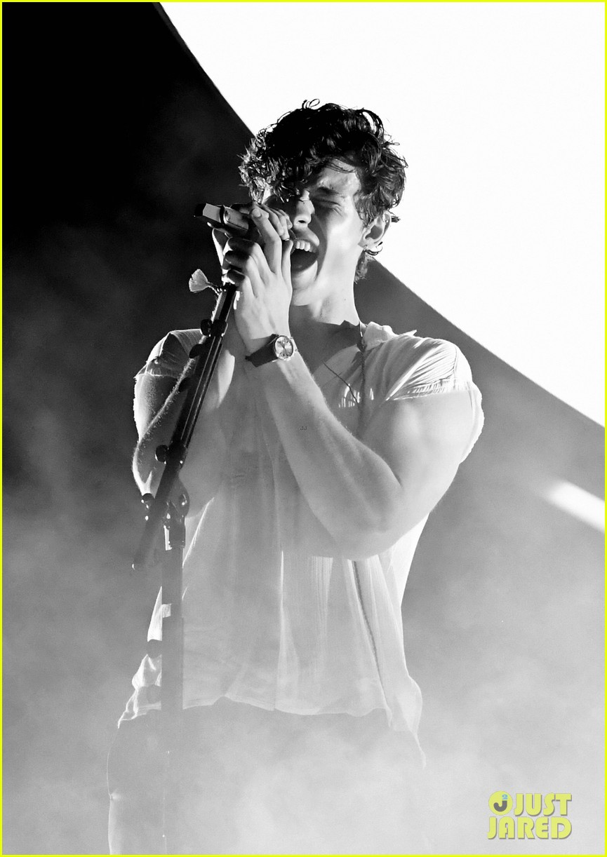 shawn mendes portland tour opening pics 01