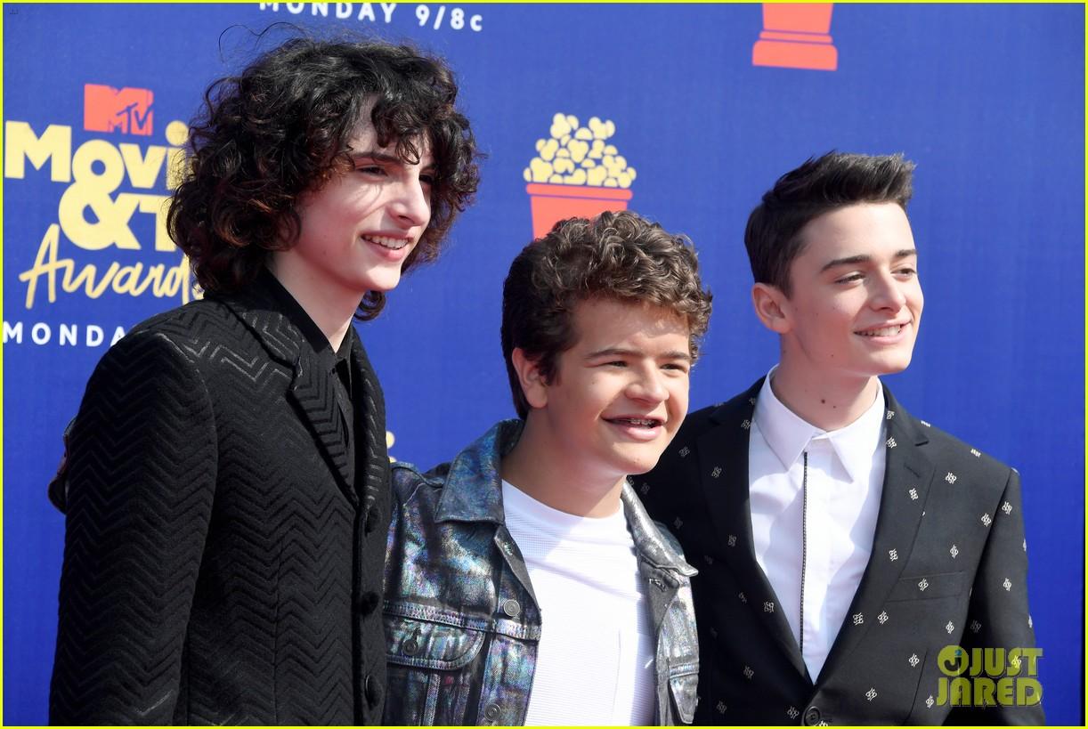 stranger things cast attend mtv movie tv awards 04
