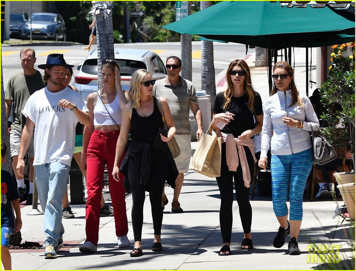 katherine schwarzenegger sobbed like a baby after second bee sting ever 05