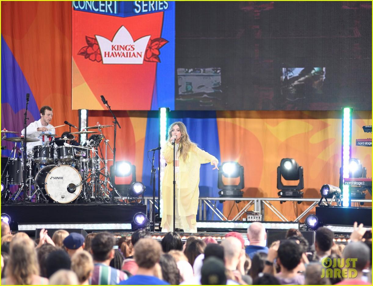sabrina carpenter takes over good morning americas summer concert series 13