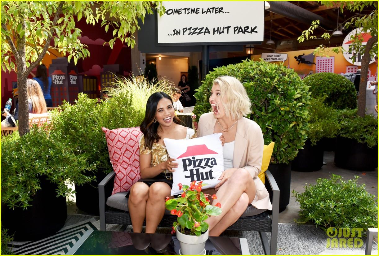louriza tronco mary mouser sdcc pizza hut 04