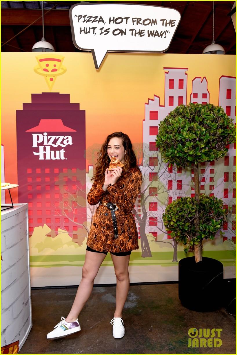 louriza tronco mary mouser sdcc pizza hut 07