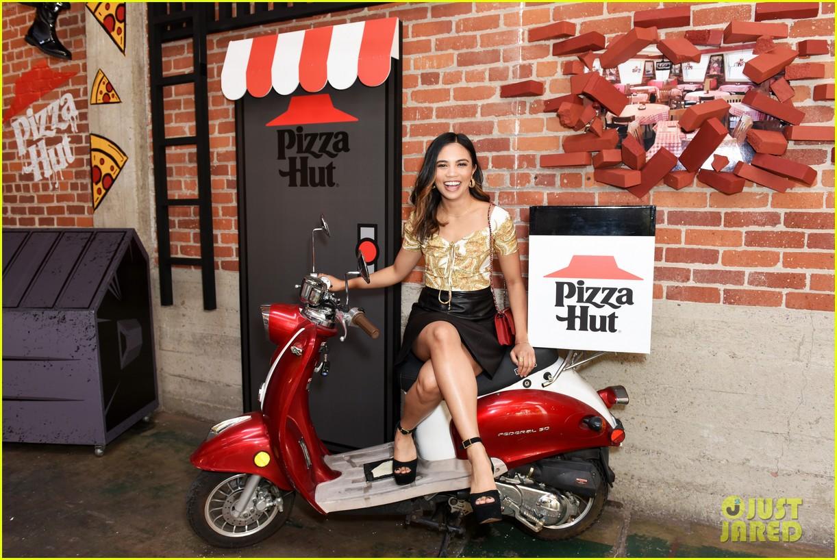 louriza tronco mary mouser sdcc pizza hut 11