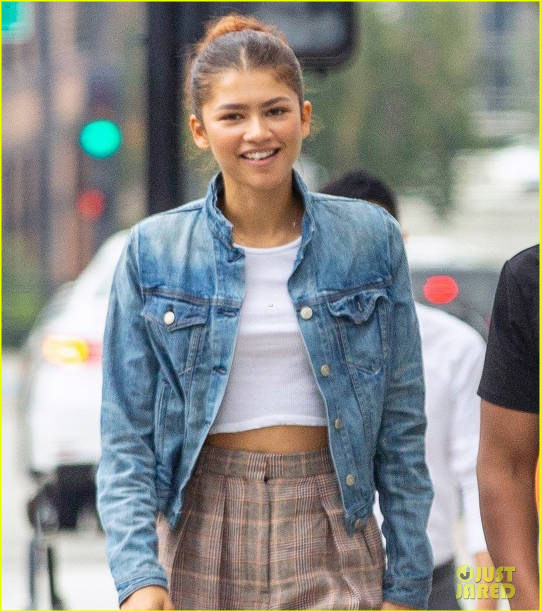 zendaya matches tom holland in nearly identical outfits 07