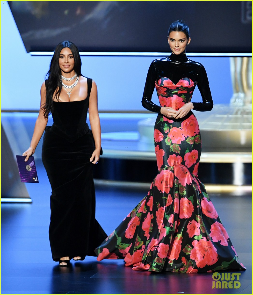 heres why kylie jenner skipped emmys 2019 01