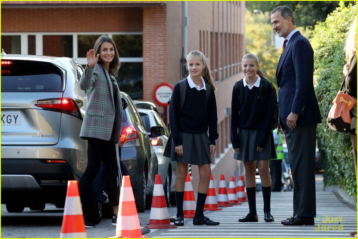 leonor sofia arrive first day school spain 01
